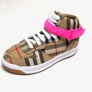 NIB Burberry Groves hi top sneaker neon pink